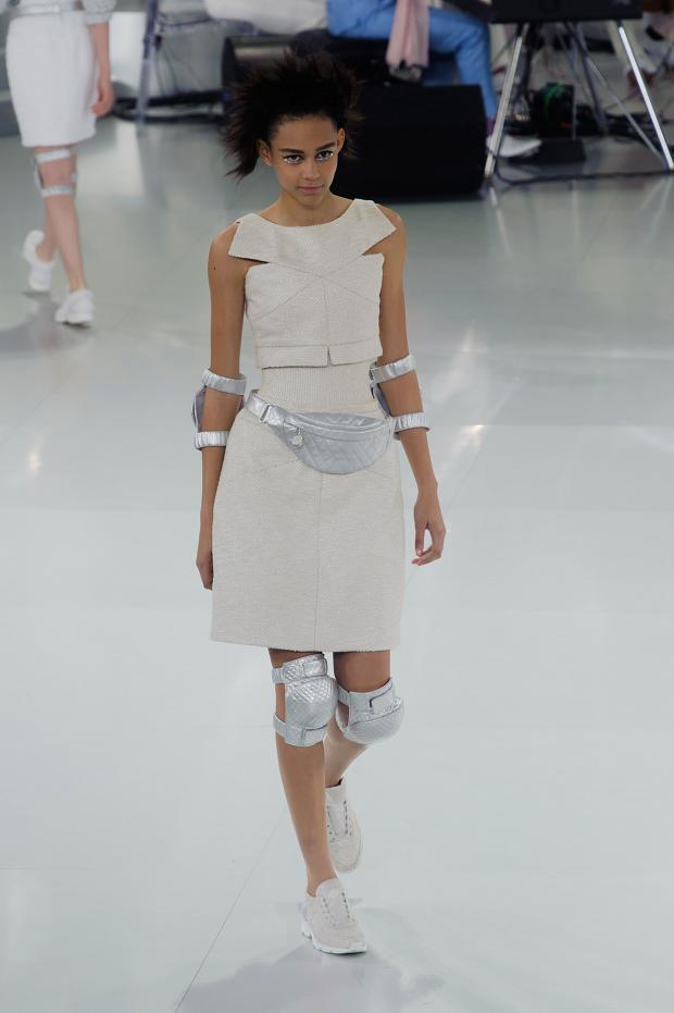 chanel-haute-couture-spring-2014-pfw-lifeunderaluckystar-kriscondebolos16