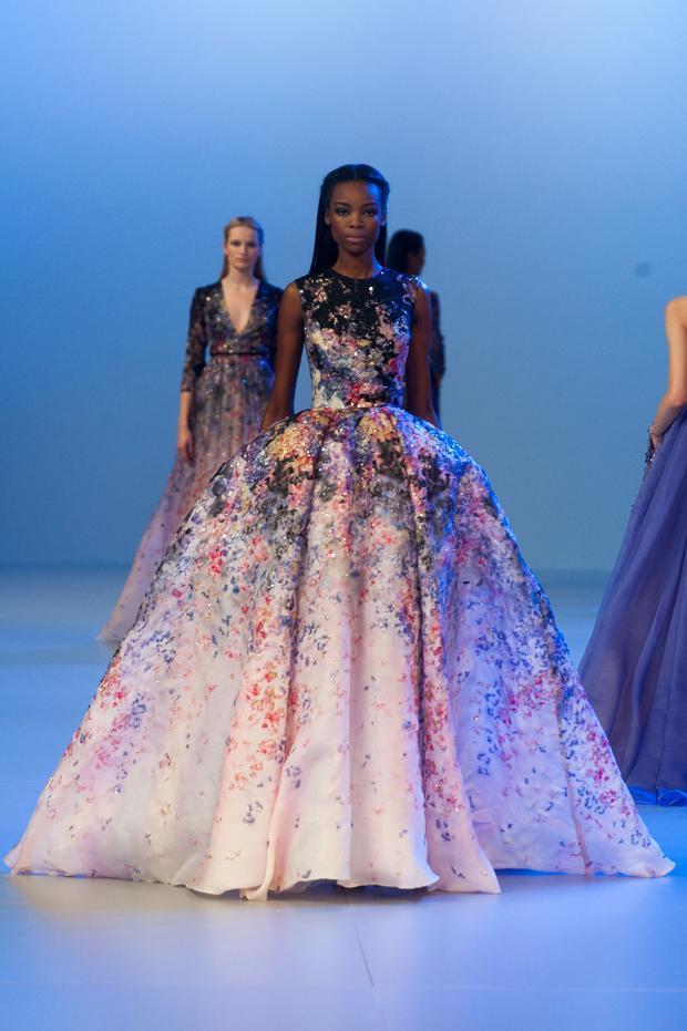 elie-saab-haute-couture-spring-2014-pfw-lifeunderaluckystar-kriscondebolos129