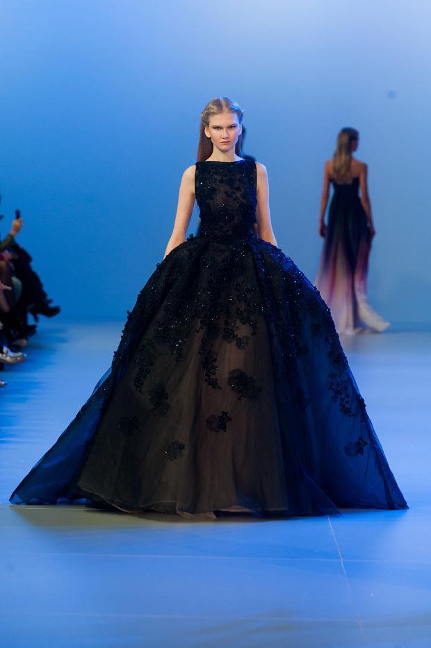 elie-saab-haute-couture-spring-2014-pfw-lifeunderaluckystar-kriscondebolos134