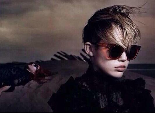 Miley-Cyrus-Marc-Jacobs-Kriscondebolos-lifeunderaluckystar2